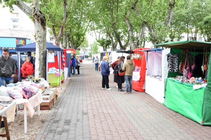 """Nueva feria de """"La Minga"""" en la plaza central"""