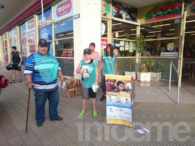 Recolectaron alimentos en puertas de hipermercados