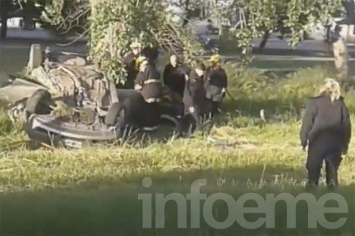 Video del trabajo de Bomberos en el vuelco en Ruta 226