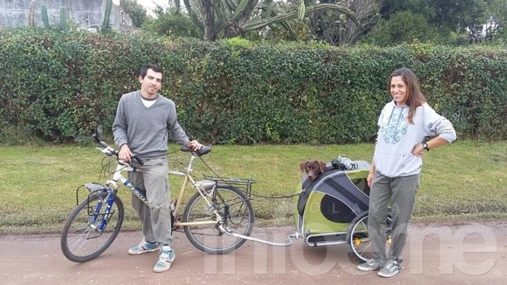Recorren el país en bicicleta y hoy llegaron a Olavarría