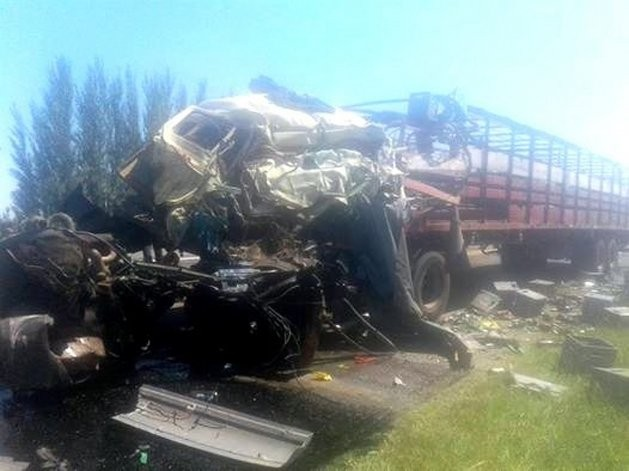 Olavarriense perdió la vida en un tremendo choque entre camiones