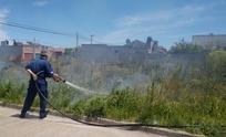 Bomberos trabajó en incendio de un terreno baldío