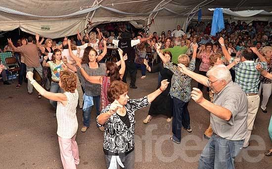 Con la noche de peñas, abrió el Festival de Doma y Folclore