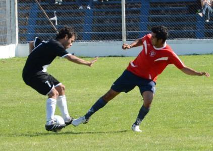 Estudiantes y El Fortín abren juego