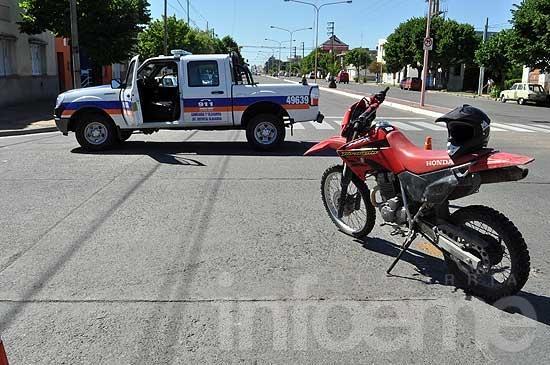 Motociclista herido en choque con una camioneta