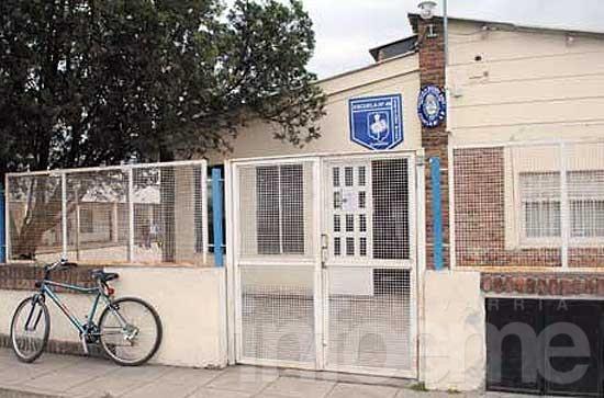 Por problemas con el agua no hay clases en la Escuela Nº 49