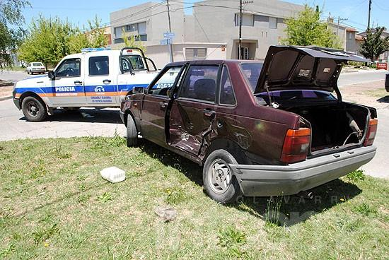 Un herido en fuerte choque entre automóviles