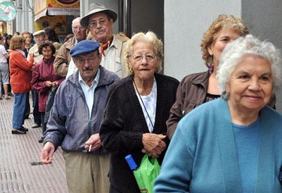 La Provincia aumenta un 70 por ciento la jubilación mínima