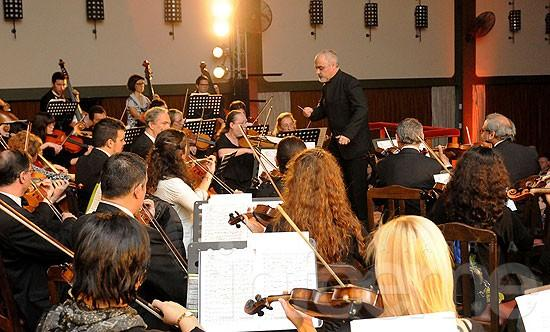 La Sinfónica y Can Can en el Paseo Mendía