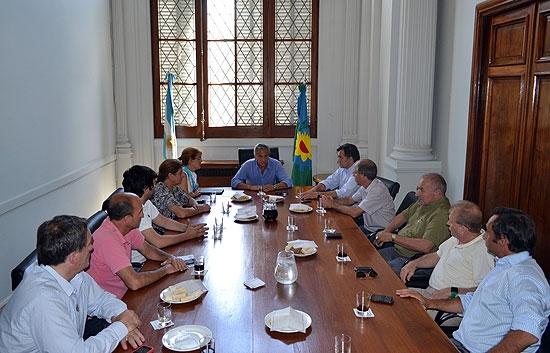Eseverri se reunió con dirigentes vecinalistas de la Sexta Sección Electoral