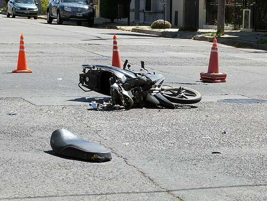 Motociclista herido en un accidente en Pueblo Nuevo