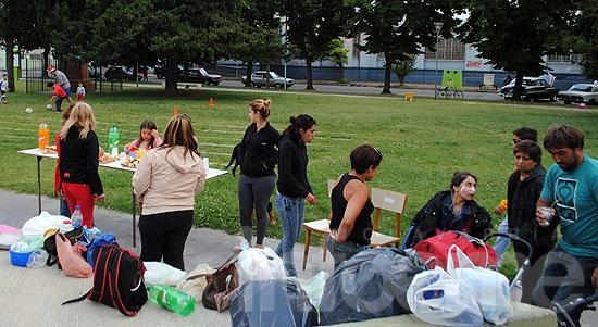 Se realizó un picnic solidario en la plaza López Camelo