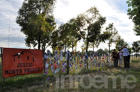 30 mil flores en homenaje a los desaparecidos