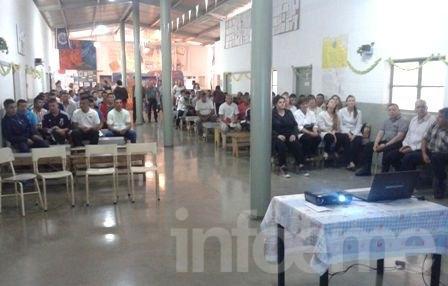 Trece alumnos de la Unidad Nº 38 egresaron de la secundaria