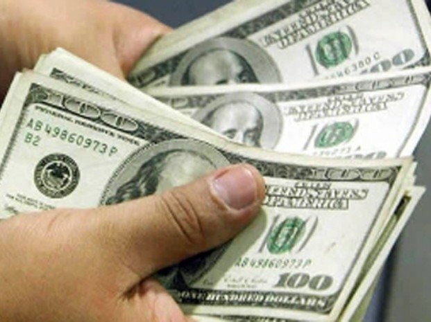 El dólar sigue bajando: 13,03 para la venta