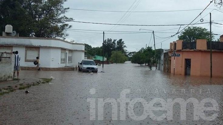 Más de 20 mil evacuados por inundaciones en el Litoral