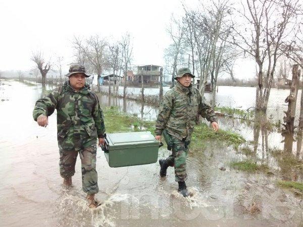 """El río Uruguay """"mantiene un nivel estacionario"""" y hay más de 10 mil evacuados"""
