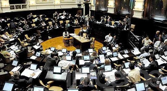 Hay acuerdo para limitar las reelecciones de los intendentes