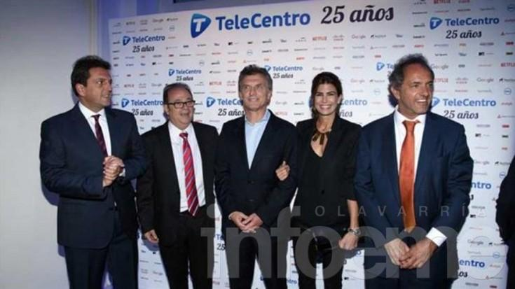 Después del ballotage, el abrazo de Macri y Scioli