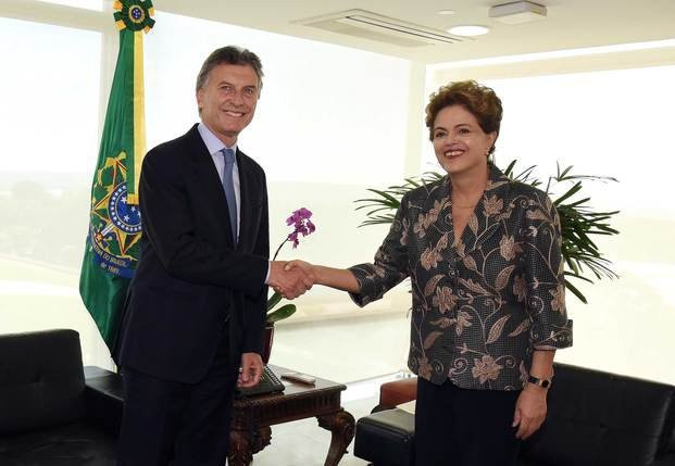 Macri se reunió con Dilma, quien estará presente en su asunción
