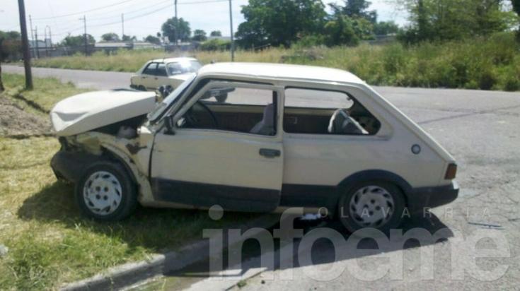 Dos autos colisionaron en el barrio del Cementerio