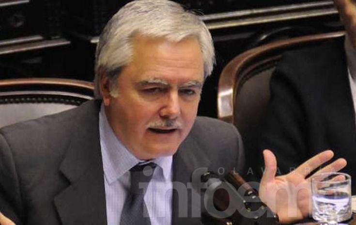 Federico Pinedo le entregará los atributos a Mauricio Macri