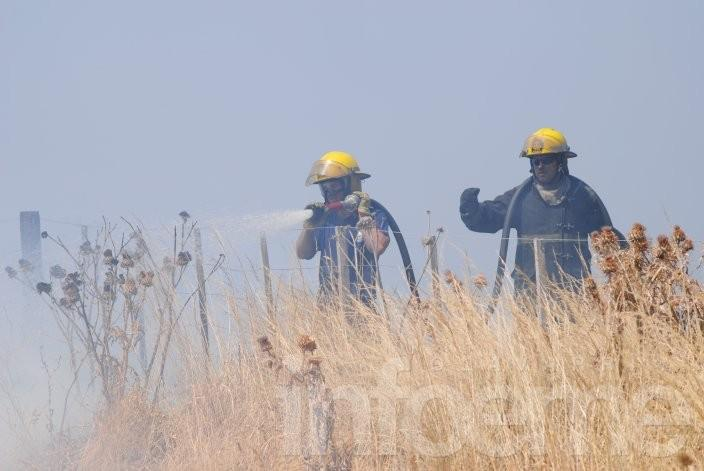Incendio de trigo en estancia Santa Dominga