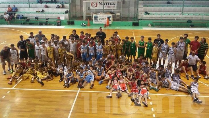 Cerca de 200 chicos participaron del encuentro de minibásquet