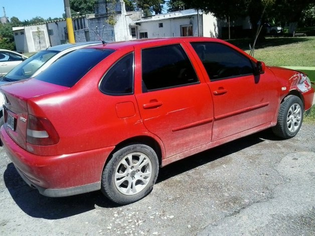 Recuperan un auto robado tras persecución en Sierras Bayas