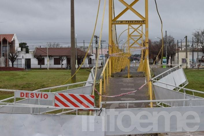 Estiman que en dos meses repararán el puente de calle Merlo