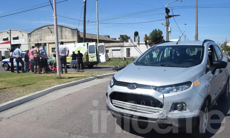 Motocilista herido en violento accidente en la rotonda de Del Valle y Pellegrini
