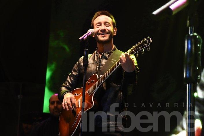 A pura emoción, Luciano Pereyra cerró la segunda  noche del Festival
