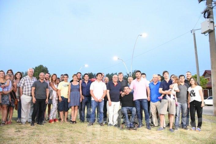 Quedó inaugurada la nueva luminaria LED en un sector del Parque Mitre