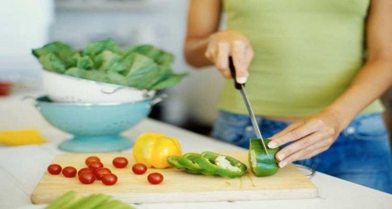 Consejos para la elaboración y traslado seguro de alimentos en las fiestas