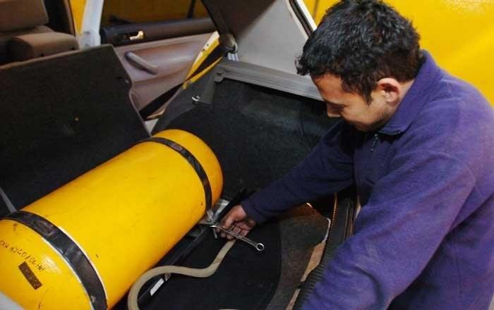 Desde enero, aumenta la oblea habilitante para autos con GNC