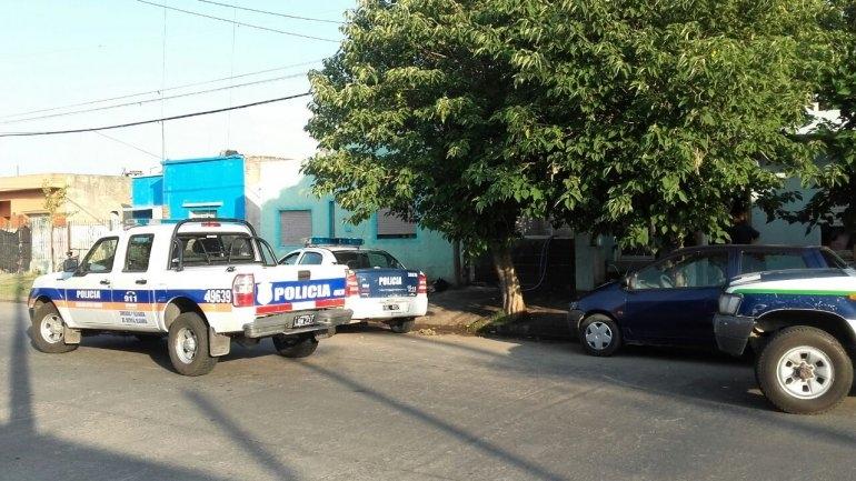 Allanamiento por un joven baleado en barrio Sarmiento