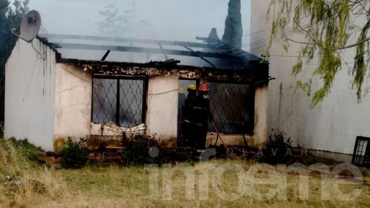 Voraz incendio provocó daños  totales en una vivienda