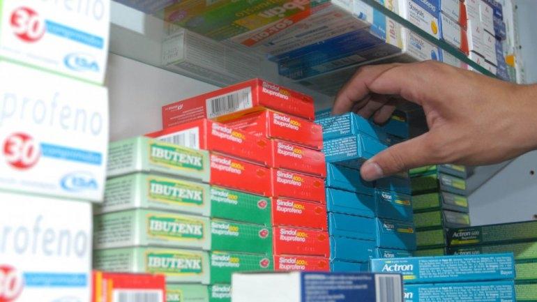 Farmacias siguen sin atender por Pami y advierten posibles faltantes de stock