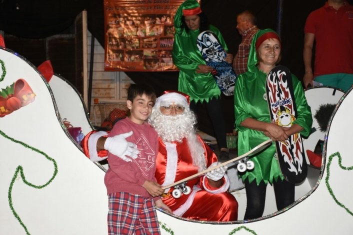 Papá Noel llegó a Loma Negra