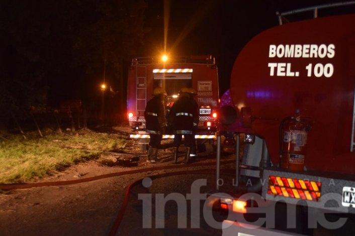 """Triple choque en """"S"""" de Sierra Chica y  salidas de bomberos"""