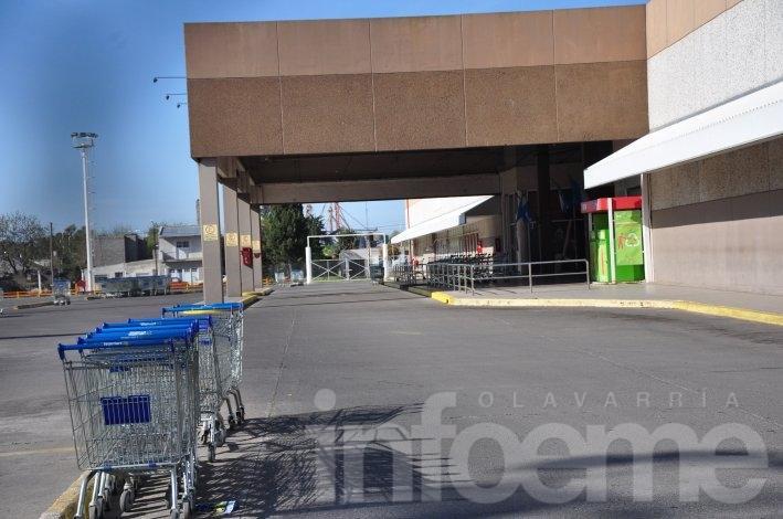 Comercios volverán a cerrar a las 18hs. este sábado