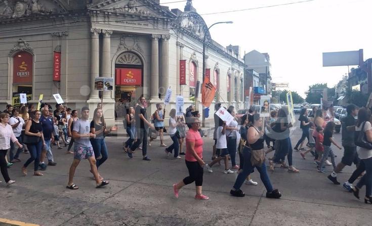 Marcharon por casos de abuso sexual en Olavarría