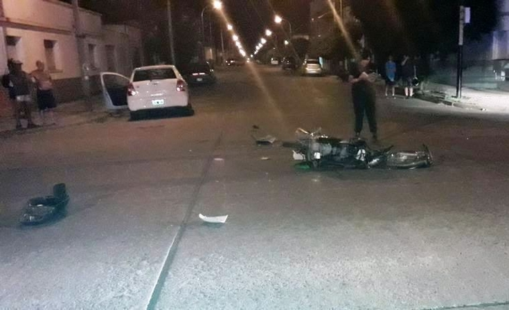 El motociclista accidentado está en terapia intensiva