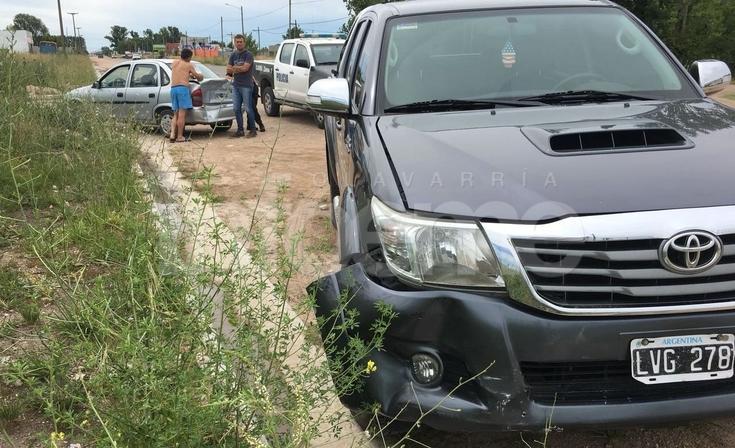 Una mujer resultó herida en un choque por alcance entre auto y camioneta