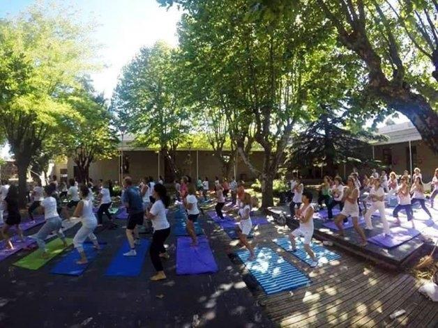 Yoga: una de las propuestas del municipio para este verano