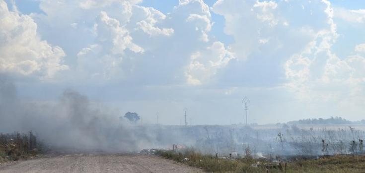 Bomberos trabajó en incendio de pastizales