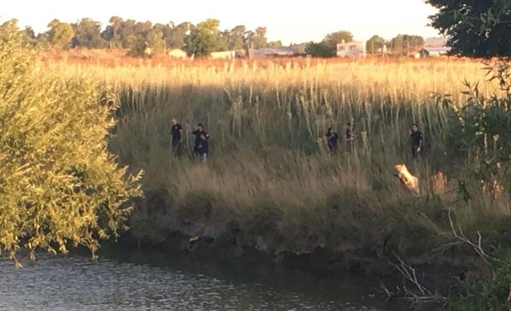 Desesperada búsqueda de una joven en el arroyo