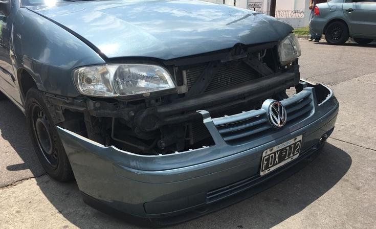 Choque entre un remís  y otro automóvil
