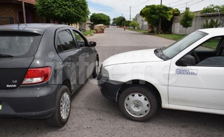Choque entre auto y camioneta: un bebé trasladado al Hospital