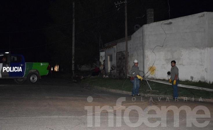 Coopelectric trabajó para restablecer la luz en los barrios afectados por el accidente